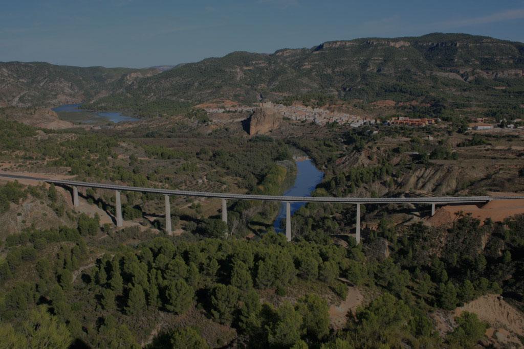 Abriendo caminos<br> tendiendo puentes